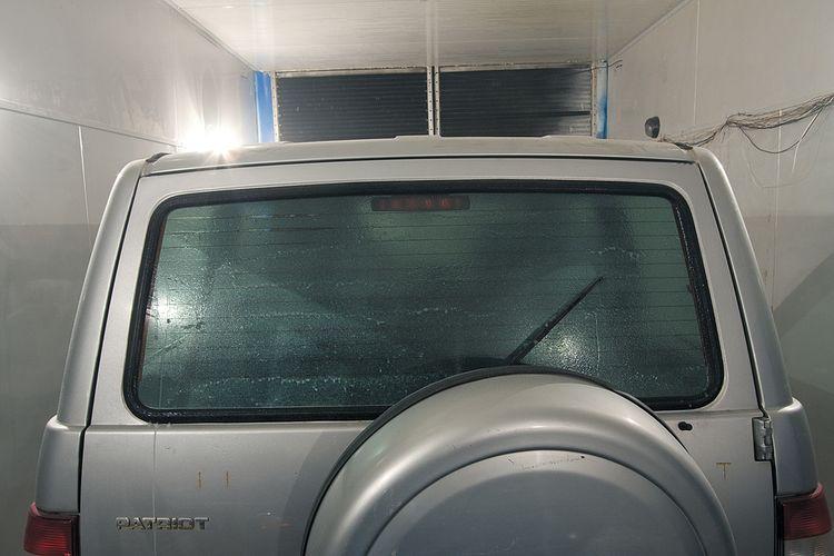 Тюнинг УАЗ Патриот - дорабатываем омыватель пятой двери.