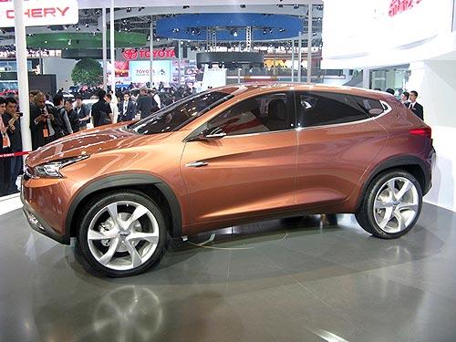 Новый Chery ТХ на пекинском автосалоне.